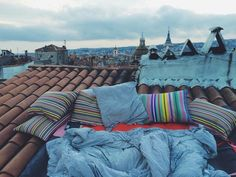 Camping out on a roof is on my mental bucket list.