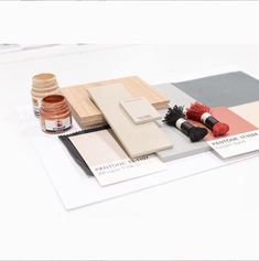 How to palce color on a mood board? Continue reading... #moodboard #moodboardacademy