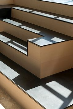 Steel and wood stair to terrace - Architects Elliot Lazarus & Matti Rosenshine Wood Architecture, Contemporary Architecture, Architecture Details, Interior Staircase, Staircase Design, Tile Steps, Building Stairs, Stair Detail, Modern Stairs