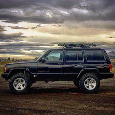 XJ moab rims Jeep Xj Mods, Jeep Wj, Jeep Truck, 2001 Jeep Cherokee, Jeep Cherokee Sport, Lifted Xj, Jeep Images, Old Jeep, Ford Maverick