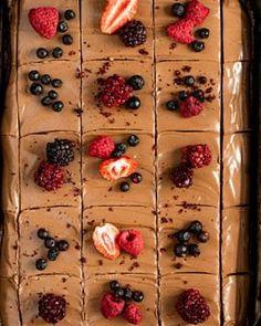 Koláč bez múky a cukru - Fit recept - Lenivá Kuchárka Pesto, Nutella, Cheesecake, Mascarpone, Cheesecakes, Cherry Cheesecake Shooters