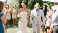 10 things to do after the ceremony from using the bathroom to retouching makeup. Great list!