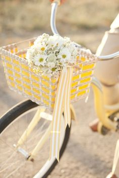 Sunny yellow basket/ribbon bouquet