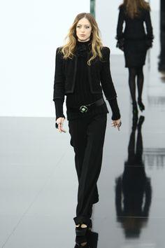 Raquel Zimmermann au défilé Chanel automne-hiver 2009-2010 http://www.vogue.fr/thevoguelist/raquel-zimmermann/41