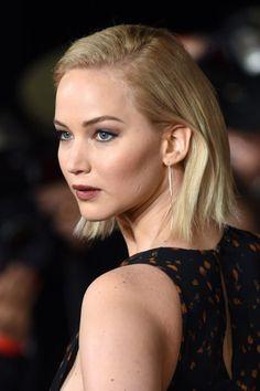 Jennifer Lawrence Shows Off Her  Lob At The Mockingjay Part 2 Premier, 2015