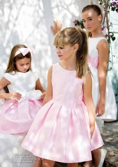 CEREMONIA P/V 2017 - Artesania Amaya Little White Dresses, Little Girl Dresses, Cute Girl Dresses, Flower Girl Dresses, Toddler Dress, Baby Dress, Baby Girl Fashion, Kids Fashion, Vogue Kids
