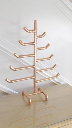Copper Pipe Christmas Tree – Handmade with Industrial Copper Pipe and Fittings - Dollar tree christmas diy Copper Decor, Copper Art, 15mm Copper Pipe, Metal Christmas Tree, Modern Christmas, Diy Accessoires, Metal Tree Wall Art, Metal Art, Vintage Diy