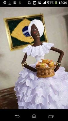 Negrita African Dolls, African American Dolls, Crafts For Girls, Diy And Crafts, Diy Toys Doll, Fabric Crafts, Paper Crafts, African Crafts, Bottle Art