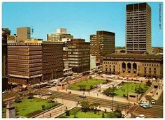 Library Gardens - between President and Market Streets. Countries Around The World, Around The Worlds, Johannesburg City, Places To Travel, Places To Visit, My Family History, African History, Live, South Africa