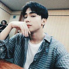 Josh Cullen Santos under Korean Entertainment in South korea a Lead Dancer and Vocal Member. Korean Entertainment Companies, Anime Drawing Styles, Ulzzang Boy, Male Face, Videos Funny, My Boyfriend, Cute Pictures, Random Pictures, Boy Groups