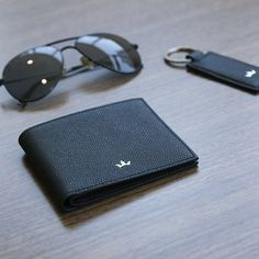 Luxury and Stylish Bifold Wallet by Roderer #Roderer #RodererWorld #LeatherGoods #LeatherBags #BusinessBags #MyDubai #Wallet #Wallets #Bifold #BifoldWallets #KeyHolder #CardHolder #CreditCardHolder #Bags #TravelBags #BifoldCardholder #Keyring #Briefcase