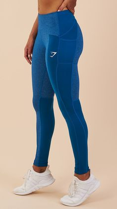 Soft stretch fabric of the Textured Leggings guarantees freedom of movement and lasting comfort during your workout. Coming soon in Petrol Blue.