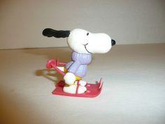 Vintage 1966 Snoopy Peanuts PVC Figure Skiing Skier