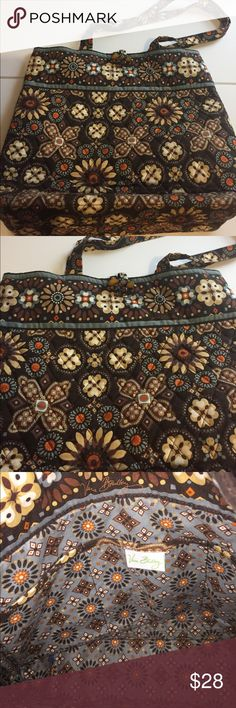 """Vera Bradley Bag Approximately 15""""x13"""". Has inside pockets. Perfect for a computer. Vera Bradley Bags"""