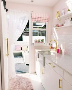 Küchen Design, House Design, Interior Design, Cocina Shabby Chic, Pink Furniture, Welcome To My House, Pink Home Decor, Pink Houses, Dream Apartment