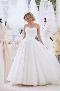 47c332597a32 Robe ABEILLE - collection 2019 - robe de mariée Atelier Emelia  robe  dress
