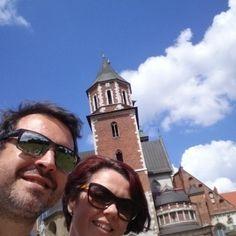 La lluvia nos da tregua y nos venimos a ver el #castillo de #Cracovia en el monte Vawel. #wttspolonia #Polska #Polonia #krakow