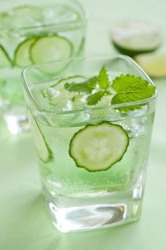 Elderbubble Cocktail Rezept mit Wodka, Prosecco, Gurke und Minze Haus & Ga … -… Elderbubble Cocktail Recipe with Vodka, Prosecco, Cucumber and Mint House & Ga … – Refreshing Cocktails, Easy Cocktails, Summer Drinks, Cocktail Drinks, Fun Drinks, Alcoholic Drinks, Beverages, Popular Cocktails, Cocktail Ideas