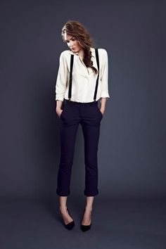 Bretelles Working girl, avec un pantalon droit