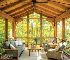 Gemütlicher Kurzurlaub in den Bergen in Vermont, mitten im Wald Screened Porch Designs, Screened In Porch, Deck Design, House Design, Chair Design, Design Design, Le Vermont, Three Season Porch, Shingle Style Homes