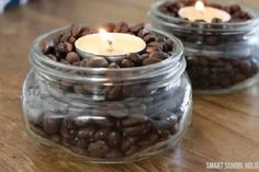 Place vanilla scented tea lights in a bowl of coffee beans. The warmth of the candles will heat up the coffee beans and make your house smell like french vanilla coffee. Simmering Potpourri, Potpourri Recipes, House Smell Good, House Smells, Scented Tea Lights, Coffee Beans, Coffee Bean Decor, Christmas Diy, Mason Jars