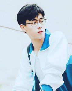 Asian Boys, Asian Men, China Movie, A Love So Beautiful, Flower Boys, Cute Actors, Chinese Boy, Drama Movies, Asian Actors