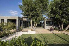 Galería de Casa desnuda / Jacobs-Yaniv Architects - 12