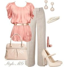 30 Classic Work Outfit Ideas - I love this soft look. I'd need to change the top to a cooler pink though. This look also works well for day to Attire Attire Work Attire Outfits for Women Outfit ideas Style Work, Mode Style, Komplette Outfits, Office Outfits, Office Wear, Office Attire, Casual Office, Office Chic, Office Uniform