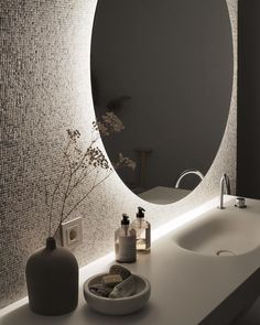 Dreaming of a extravagance or designer master bathroom? We have gathered together lots of gorgeous bathroom some ideas for small or large budgets, including baths, showers, sinks and basins, plus master bathroom decor some ideas. Bathroom Layout, Bathroom Colors, Bathroom Sets, Small Bathroom, Master Bathroom, Tile Layout, Bad Inspiration, Bathroom Inspiration, Dream Home Design