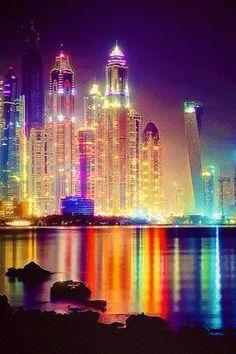 City – Night – Lights – Colors – Glitter Gif – Gratis … – World of Light Beautiful Gif, Beautiful Places, Beautiful Pictures, Gif Pictures, Moving Pictures, Animation Photo, Animation Storyboard, Animation Reference, Animation Background