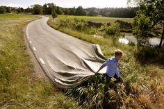 long-road  Erik Johansson, fotograaf en photoshopper uit Zweden.