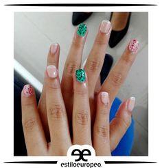 El complemento ideal para tus espectaculares looks un maquillaje de uñas con todo nuestro Estilo Europeo Visítanos: Cll 10 # 58-07 Sta Anita Citas: 3104444 #Peluquería #Estética #SPA #Cali #CaliCo