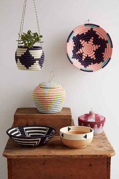 Indego Africa Coral Burst Plateau Basket - Urban Outfitters