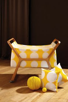 nice furniture...but Sal de Coco is selling the pillows ;-)