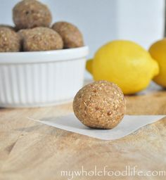 Lemony No Bake Cookie Dough Bites. A subtle tastes of lemon makes these cookies really stand out. Vegan and gluten free. Nikee note: no sweetness at all, my 13 yo son would not eat these. Raw Desserts, Delicious Desserts, Yummy Food, Raw Food Recipes, Snack Recipes, Dessert Recipes, Healthy Recipes, Healthy Foods, Gluten Free Treats