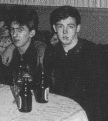 Are your Favorite Beatles Paul McCartney and George Harrison? Foto Beatles, Beatles Love, Les Beatles, Paul Mccartney, Lps, Rock And Roll, Beatles Quotes, The Quarrymen, Teddy Boys