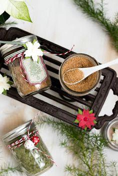 Basilikumsalz und Glühweinzucker - Geschenke aus der Küche + Freebie Christmas Holidays, Merry Christmas, Xmas, Diy Presents, Diy Gifts, One Pot Pasta, Nutella, Diy And Crafts, Goodies