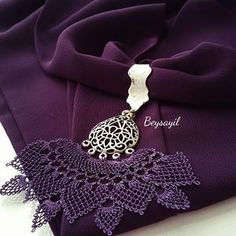 This Pin was discovered by Can Lavender Bags, Scarf Jewelry, Elsa, Diy And Crafts, Crochet Necklace, Jewels, Photo And Video, Sewing, Videos