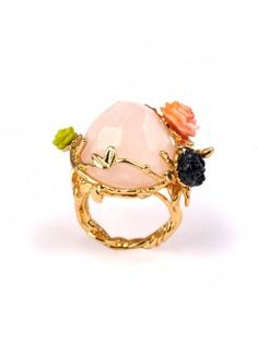 Cristaux de Fleurs ring: Rose Quartz and Moss Rose representing love 3 Band Rings, Thin Rings, Gold Rings, Gemstone Rings, Les Nereides, Quartz Rose, Natural Looks, Cocktail Rings, Costume Jewelry