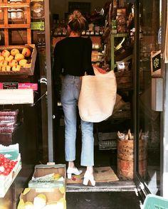 """Mi piace"": 11.3 mila, commenti: 67 - Camille Charrière (@camillecharriere) su Instagram: ""Does my bag look big in this?  @Mango #MangoGirls #Mango #MangoPremium"""