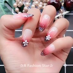 9 Best Nail Design Ideas of 2019 - The Latest Nail Art Trends - Nail art videos - Nail designs Nail Designs Easy Diy, Cute Nail Designs, Latest Nail Art, New Nail Art, Gel Nagel Design, Nail Design Video, Nail Art Videos, Nail Art Designs Videos, Manicure E Pedicure