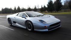 1992–1994 Jaguar XJ220 | These 10 Cars Shattered World Speed Records