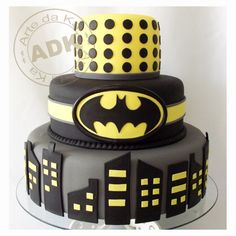 @KatieSheaDesign ❥♡♡❥ Batman Cake