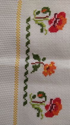 Cross Stitch Borders, Cross Stitch Flowers, Cross Stitch Designs, Cross Stitch Patterns, Diy Crafts Hacks, Diy And Crafts, Crochet Bedspread, Filet Crochet, Poppies