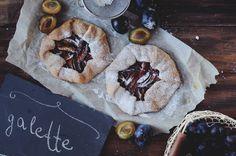 #food #foodphoto #plum #gallete