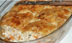 Συνταγή από Συνταγές της παρέας    ΥΛΙΚΑ    2 φύλλα σφολιάτας  1 κοτόπουλο ή 4 στηθάκια, βρασμένο και ξεψαχνισμένο  20 φέτες μπέικον ψιλοκομμένο  1/4 gounda τριμμένο  1/4 κεφαλοτύρι τριμμένο  1/4 regatto τριμμένο  1 κουτί μανιτάρια ψιλοκομμένα  1 κρεμμύδι τριμμένο στον τρίφτη  1 πιπερια κόκκινη, 1 κίτρινη, 1πορτοκαλί Cookbook Recipes, Cooking Recipes, The Kitchen Food Network, Savory Muffins, Savoury Pies, Christmas Cooking, Greek Recipes, Different Recipes, Food Network Recipes