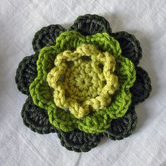 Lion Brand Stitchfinder: Crochet Flower: Irish Rose