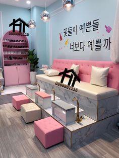 Nail Salon And Spa, Nail Salon Design, Nail Salon Decor, Hair Salon Interior, Spa Interior, Salon Interior Design, Home Beauty Salon, Home Hair Salons, Beauty Salon Decor