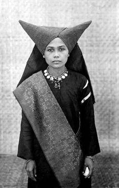 "Great look. Love the headdress. Credits just read, ""1929 Sumatra."""