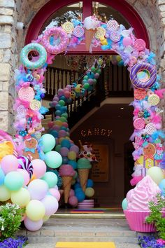Take a look at this sweet candy-themed birthday party! The party decorations . Candy Theme Birthday Party, Candy Land Theme, Donut Birthday Parties, Donut Party, Candy Party, Birthday Party Decorations, Carnival Birthday, Birthday Banners, Craft Party